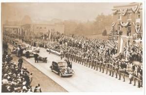 FDR's motorcade. Port Angeles, 1937.